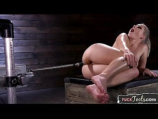 Curvy machine beauty enjoys riding sybian