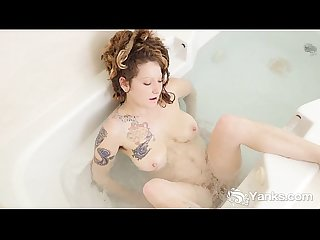 Tattooed Misty Masturbating With Water Jets