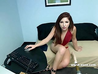Pornstar Lexi Brooks live sex machine webcam