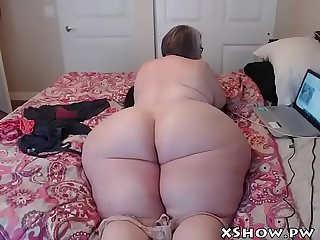 Busty hot girl live camshow masturbate