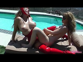 Angela sommers lesbian tribbing with bigtits babe outdoors