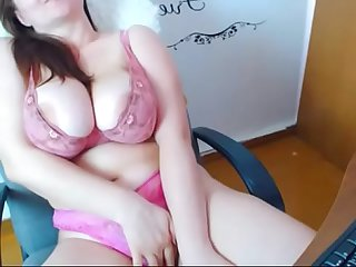 Super Hot BBW on Cam - CamGirlsUntamed.com