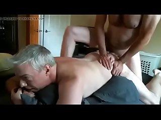 Daddy levando rola do amigo pai