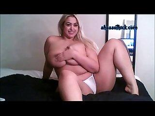 Big titties Pawg gettin freaky on cam