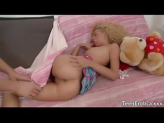Young blonde uses her asshole