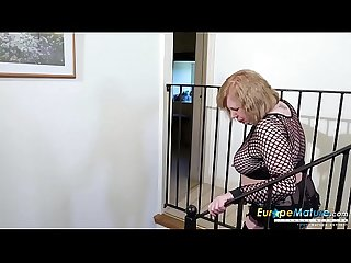 EuropeMaturE British Lady Solo Masturbation