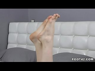 Blondie enjoys giving sexy footjob
