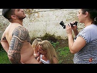 Mirella Mansur e Rafaella Denardin nos bastidores da grava��o da Sexfoxxx na praia - Hugo Belfort..