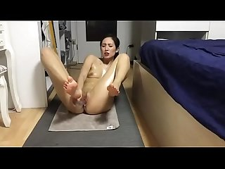 Beautiful Chinese girl masturbate after yoga xchinesecam com