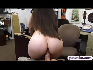 Amateur woman banged by nasty pawn dude