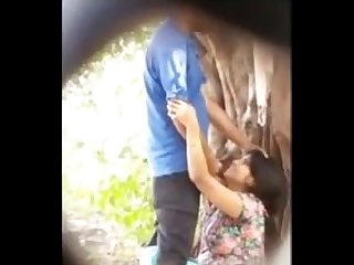 desi blowjob in park