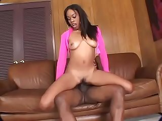 Black woman drilled num 2