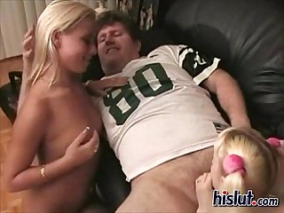 Bisexual shares the cum