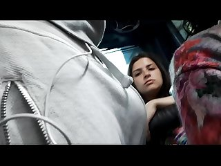 Mirona en bus de bogota