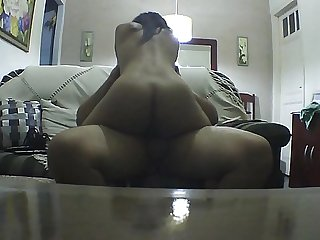 Ridding on my boyfriend until i cum