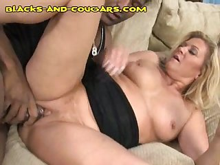 Black stuffing a milf pussy