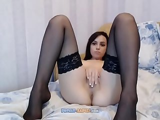 Wild sexy babe solo on cam our kik milalolixxx