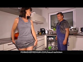 Hausfrau ficken cock sucking german cheating wife is a granny who likes reverse cowgirl sex