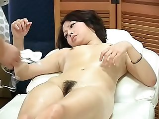 Gogo massage Milf is reluctant
