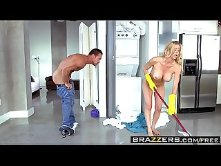 Brazzers - The Naked Mom Alexis Fawx�and�Johnny Castle