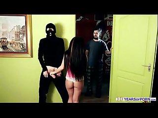 Tenn adorable seduces thieves at home