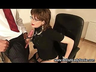 British mature Lady Sonia gets a cumshot