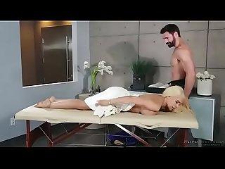 Luna star massage