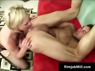 Horny milf cortknee wants her experienced mouth full of young cock