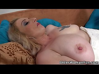 Busty mature Kaylea loves sliding fingers into her holes