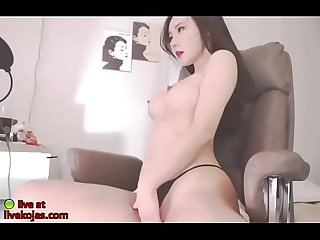 Korean BJ Neat model shows her amazing body
