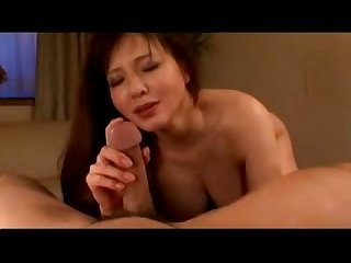 Busty mature lady having orgasm while getting her pussy fucked with toys on the bed