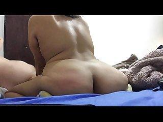 Mamando verga y bailando las nalgas