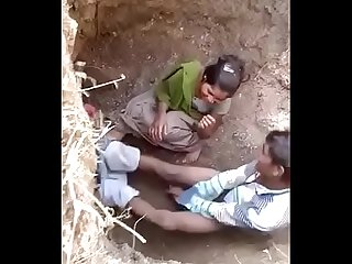 Indian outdoor sex caught in the act