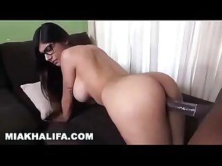 Mia khalifa tries big black cock