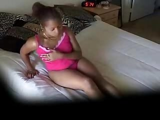 Beautiful Black Woman Masterbates to Early Morning Porn