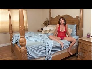 EVASIVE ANGLES Desperate Mothers & Wives 10 with Bella Roxxx