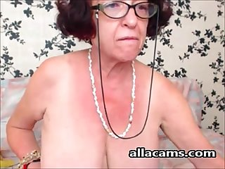 Granny homemade masturbation on webcam