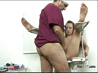 Skank has her pussy inserted with doctors big cock