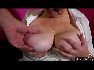 OmaHunter Old solo lesbians posing and masturbate