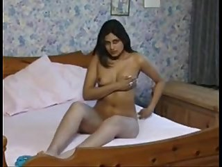 sexy indian girl teasing her boy friend - camgirlvip.c