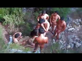 Gang bang com a novinha no meio do mata ( videos http://rabudas.tv)