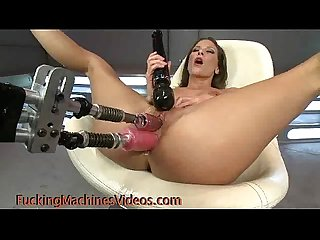 Gal double penetration fucked by machine