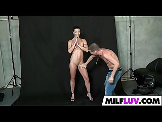 Fit MILF Wenona Gets Fucked