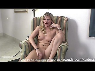 super hot dirty blonde girl first time porno exploited iowa hotel room