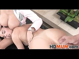 Sweet seduction with sexy Mum